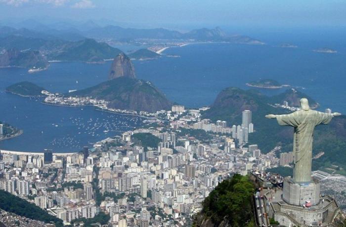 Beyrutdakı partlayış qurbanları Braziliyada belə yad edilib