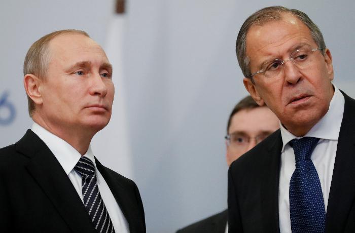 Putin və Lavrov Serbiya Prezidentindən üzr istəyib
