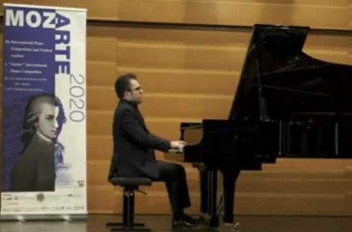 Azərbaycanlı pianoçu Pianoçuların XIV Motsart Beynəlxalq Müsabiqəsinin qalibi oldu - FOTOLAR