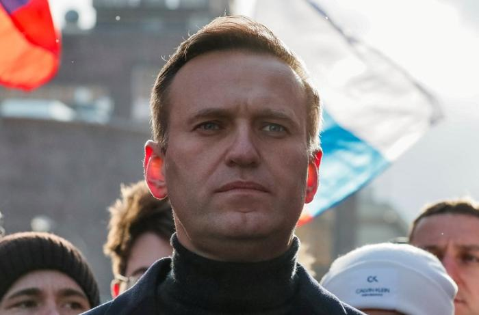 Navalny: 'I'm able to breathe on my own'