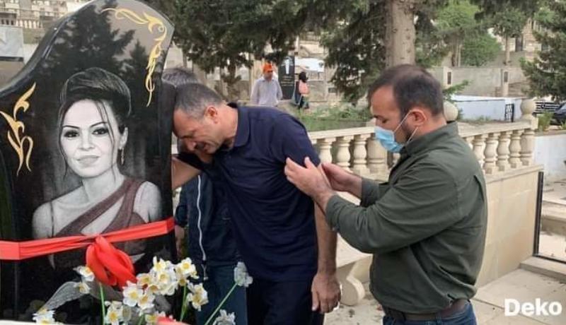 Tofiq Yaqublu qızının məzarını ziyarət etdi - YENİLƏNİB