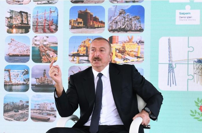 """""""Neftçilərimizin əməyi Azərbaycan xalqının maraqlarına xidmət edir"""" – Prezident"""