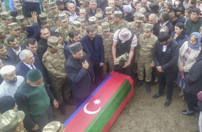 Azərbaycan Ordusunun şəhid olan hərbçisi dəfn edilib – FOTO – YENİLƏNİB