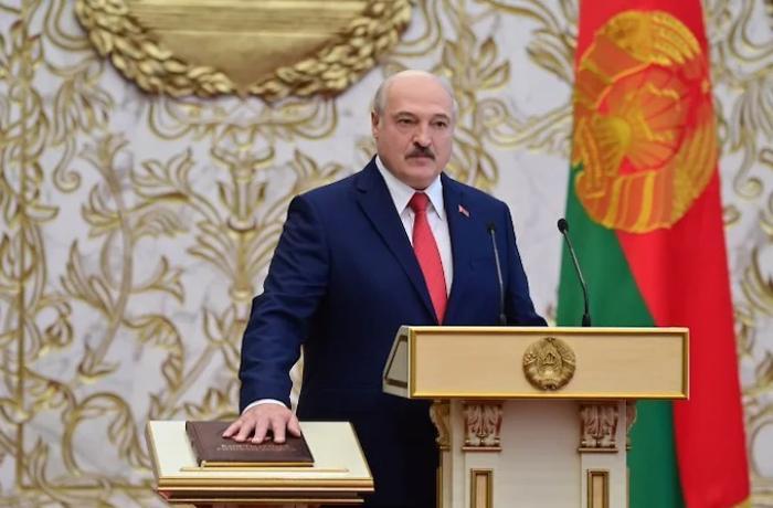 Lukaşenko Belarus prezidenti vəzifəsinə başladı