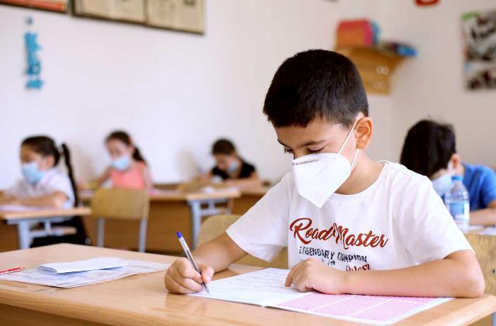 Daha 13 şagirddə koronavirus tapıldı – RƏSMİ