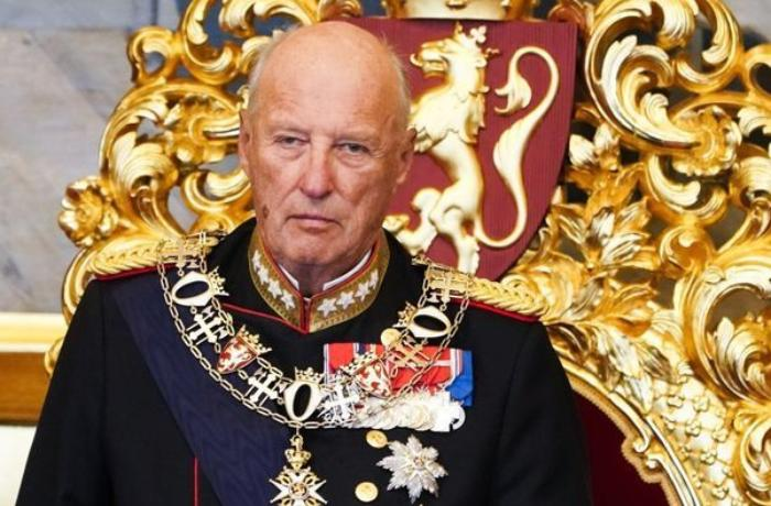 King of Norway was hospitalized