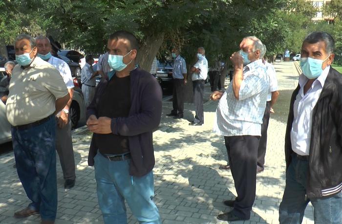 Sumqayıt alüminium zavodunun keçmiş işçiləri 35 aydır ki, müavinətlərini ala bilmirlər - VİDEO