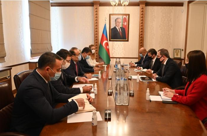 Jeyhun Bayramov receives Secretary-General of Turkic Council