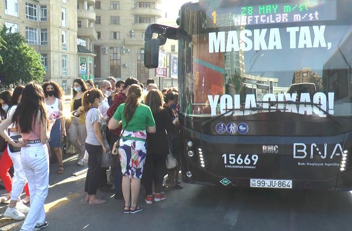 """""""Avtobuslardakı sıxlıq koronavirusun yayılması üçün şərait yaradır, metro açılmalıdır"""" – VİDEO"""