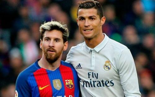 """Ronaldo Messini qabaqlayaraq """"Golden Foot"""" mükafatını qazanıb"""