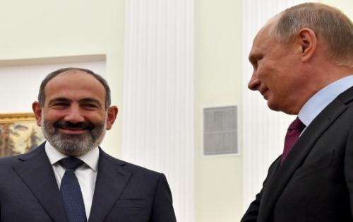 Paşinyan Rusiyanın Ermənistana yardım etməsi üçün Putinə məktub yazdı