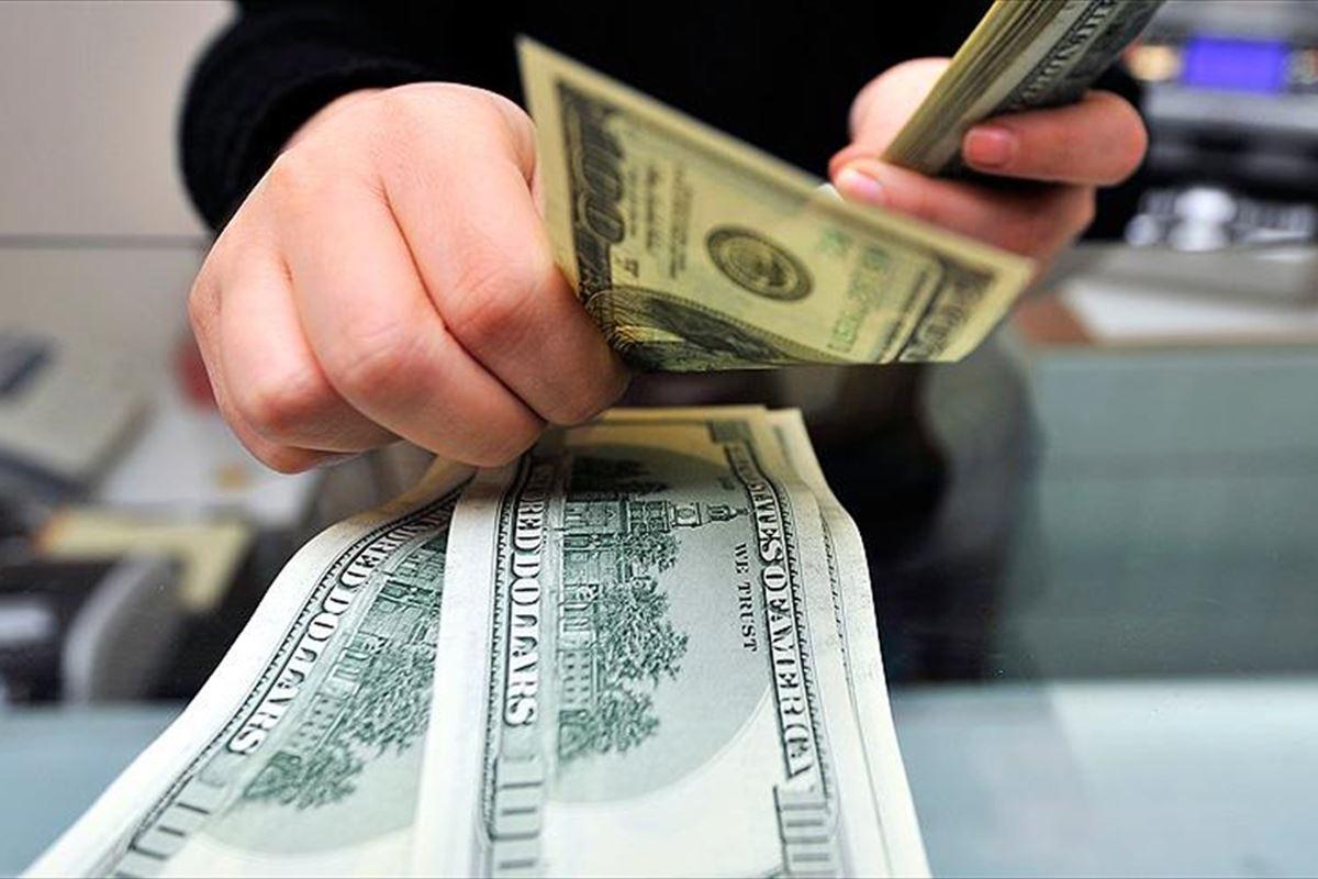 Azərbaycanda bankların dollara təlabatı kəskin azaldı