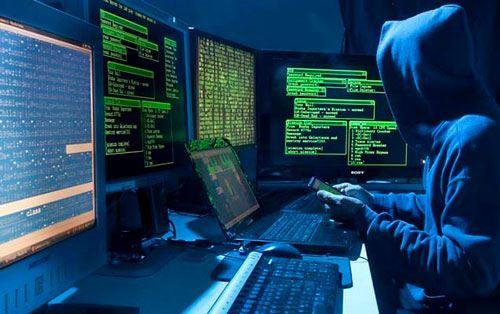 Hakerlər Trampın seçki fondundan 2,3 milyon dollar oğurladı