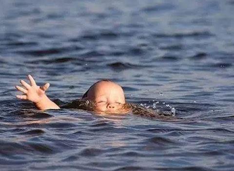 Bu gün üç nəfər dənizdə xilas edilib - Biri azyaşlıdır