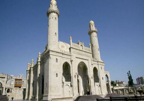 В Азербайджане с завтрашнего дня откроются мечети