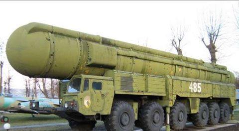 """Paşinyanın partiya rəsmisi: """"Rusiya silahları ən yaxşı silahlardır"""""""