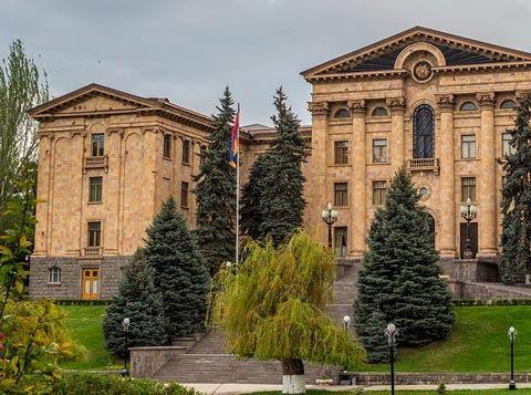 Ermənistan yeni idarəetmə sisteminə keçəcək