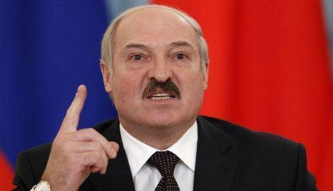 Lukaşenko çox sayda keçmiş hərbçinin rütbələrini əlindən aldı