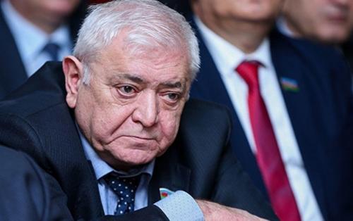"""Aqil Abbas: """"Makron qudurub"""""""