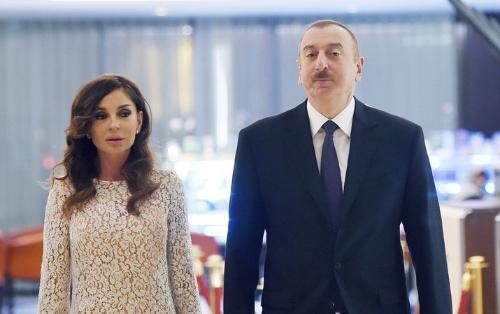 """Prezidentlə xanımı """"Akademik Zərifə Əliyeva"""" gəmisinin suya salınma mərasimində"""