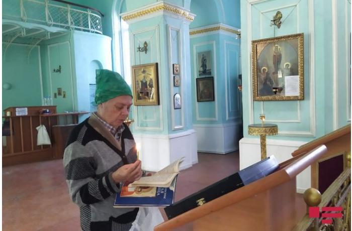 В православной церкви в Гяндже проходит церемония поминания шехидов