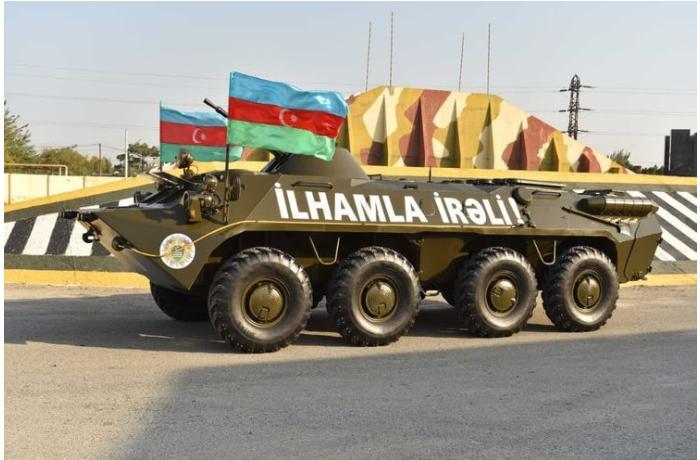 DSX-ya BTR-70M tipli zirehli nəqliyyat vasitəsi hədiyyə edildi