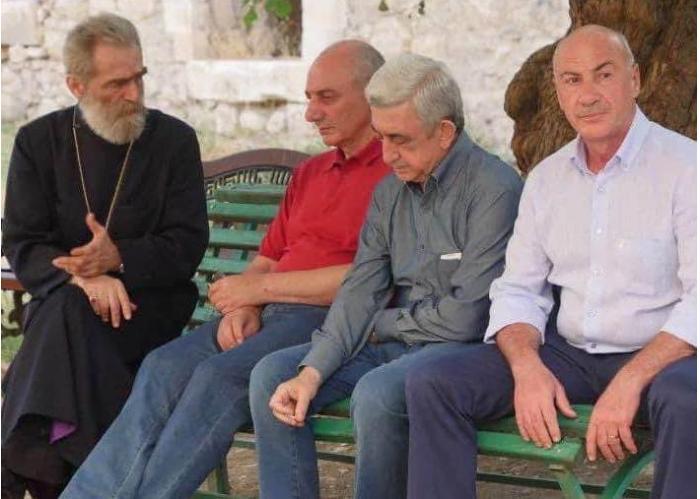 Ermənistanda siyasi gərginlik artır - Paşinyan sabiq prezidentlərə mesaj gö ...