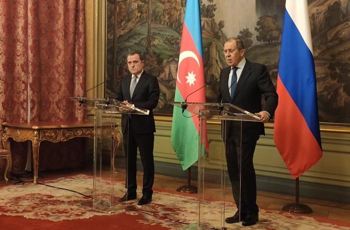 Ceyhun Bayramov Moskvada Sergey Lavrovla görüşüb
