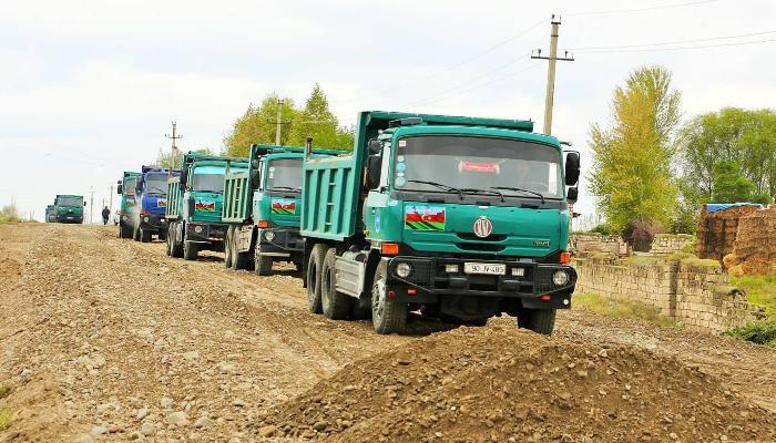 Azerbaycan, Ermenistan işgalinden kurtardığı kentlerde yol çalışmasına başladı