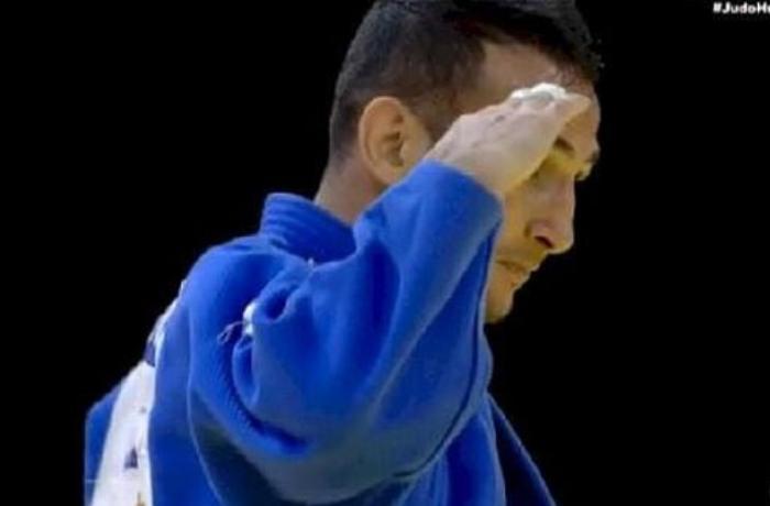 Azərbaycanlı cüdoçu medal qazanıb, hərbi salam verdi - FOTO