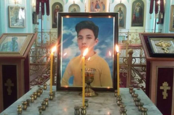 Gəncədə erməni terroru nəticəsində həlak olan 13 yaşlı Artur Mayakovla vida mərasimi keçirilir - FOTOLAR