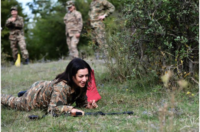 """Paşinyanın həyat yoldaşı """"COVID-19"""" üçün ayrılan pula silah alır? – """"Hraparak"""" qəzeti"""