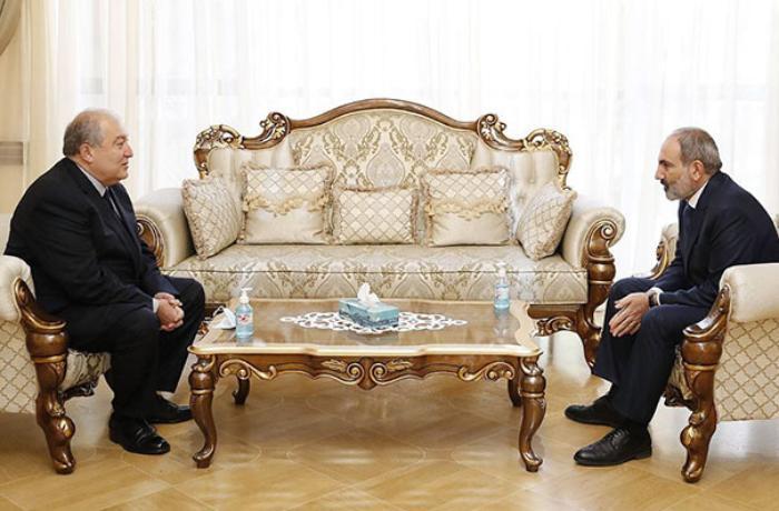 Paşinyan Ermənistan prezidenti ilə görüşdü