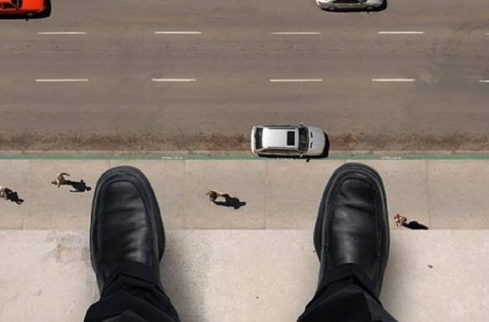 Bakıda Əməkdar artist intihar etdi - FOTO