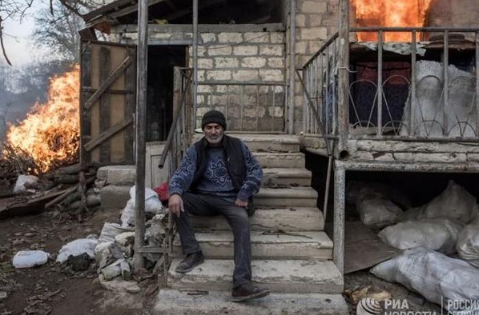 Laçını tərk edən ermənilər evləri yandırır – FOTOLAR
