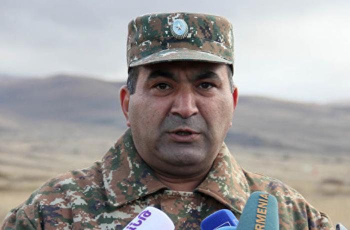 Paşinyanı lağa qoyduğuna görə işdən çıxarılan general Ermənistan prezidentini məhkəməyə verdi