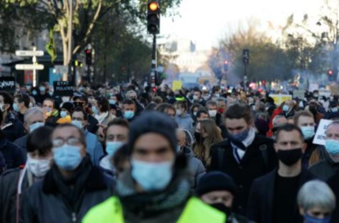 Fransa qarışdı – Çox sayda etirazçı ilə polis arasında toqquşma – VİDEO