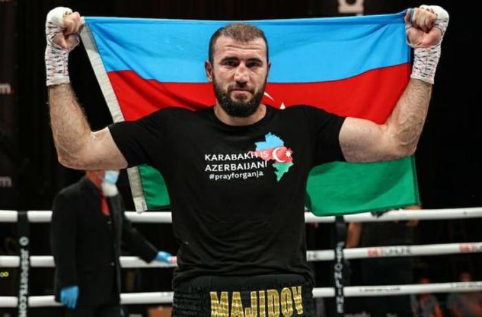 """Peşəkar boksçumuz ABŞ-da rinqə """"Karabakh is Azerbaijan"""" forması ilə çıxıb - VİDEO"""