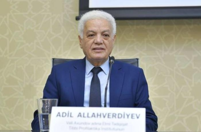 """Professor Adil Allahverdiyev: """"Yoluxma sayının artmasını böyütməyək"""" - VİDEO"""