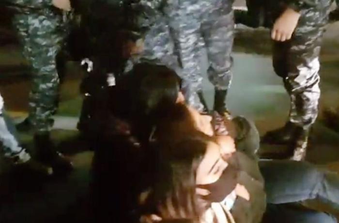 Ermənistanda Paşinyanın istefası tələbi ilə oturaq aksiya keçirilib - VİDEO