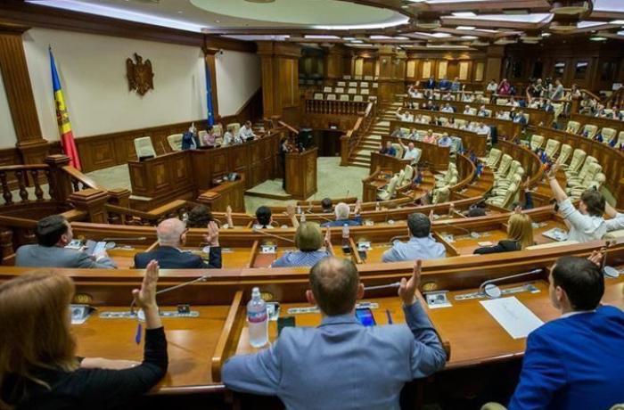 Moldova parlamenti prezidentin bu səlahiyyətini əlindən aldı