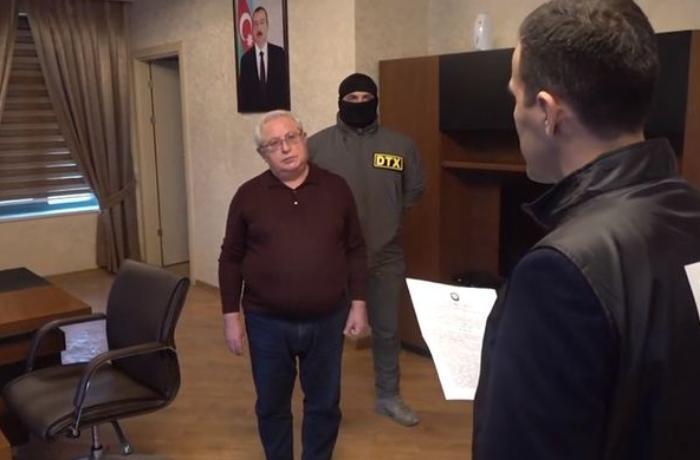 Prokuror DTX tərəfindən həbs edilən sabiq icra başçısına cəza istədi
