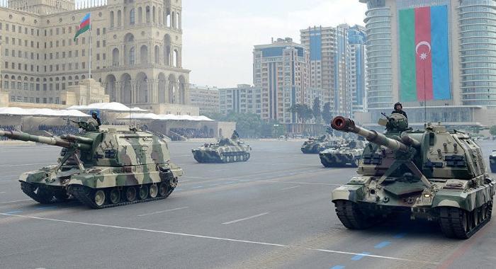 В Баку проходит парад Победы -  ПРЯМОЙ ЭФИР