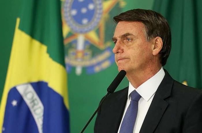 Braziliya prezidenti maska taxmadığı üçün növbəti dəfə cərimələndi