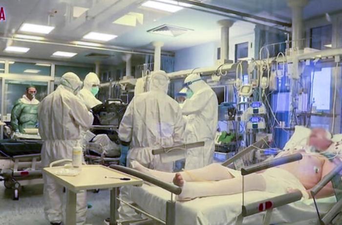 İtaliyada COVID-19-a gündəlik yoluxma və ölüm sayı azalıb