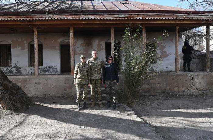 """""""Hər bir azərbaycanlı üçün müqəddəs olan yerdə yığışmışıq"""""""