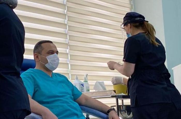 Koronavirusa qarşı peyvəndin hansı əlavə təsirləri ola bilər? - VİDEO