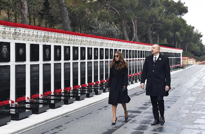Prezident və xanımı Şəhidlər xiyabanını ziyarət edib - FOTOLAR