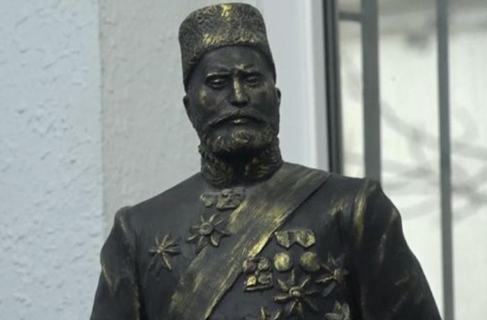 Hacı Zeynalabdin Tağıyevin heykəli hazırdır - VİDEO