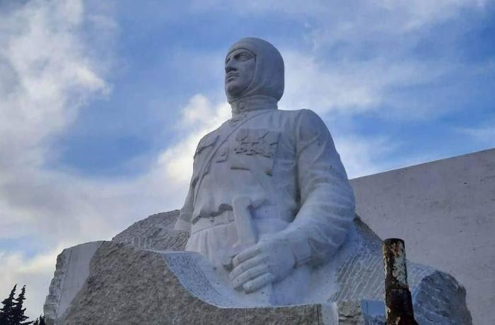 Rus generallar Njdenin Xocavənddəki heykəlinin sökülməsini tələb edir – Erməni KİV